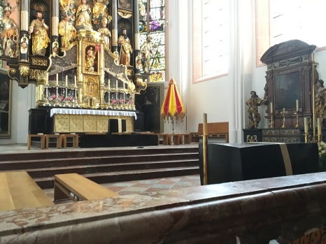 Inside the Cathedral - Alter